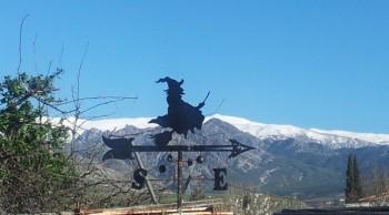 veleta bruja frente a sierra nevada granada